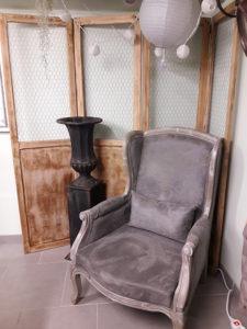 le mobilier de la salle de cours d'art floral
